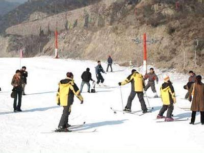 晉祠龍山滑雪場