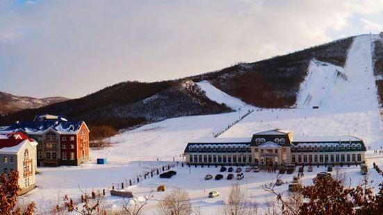 扎蘭屯金龍山滑雪場
