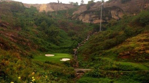 Poly Golf Club