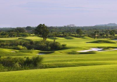 Yunnan Honghe Zhouhuquan Golf Club