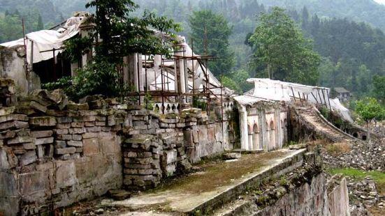 彭州龍門山地震遺址公園