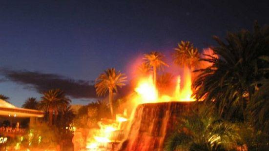 海市蜃樓的火山噴發