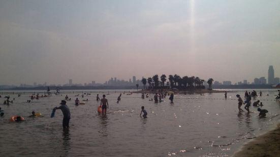 東湖疑海沙灘浴場