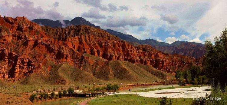 貴德國家地質公園阿什貢七彩峰叢景區2