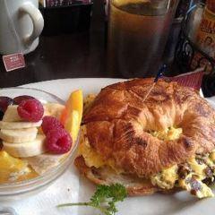 Hollywood Café User Photo
