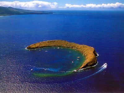 莫洛基尼火山口