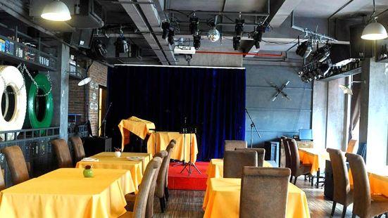 Azzurro Italian Restaurant & Bar