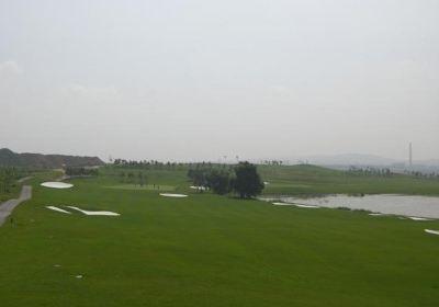 鞍山梅園高爾夫俱樂部