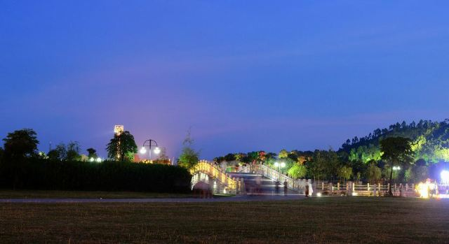 鴛鴦湖公園