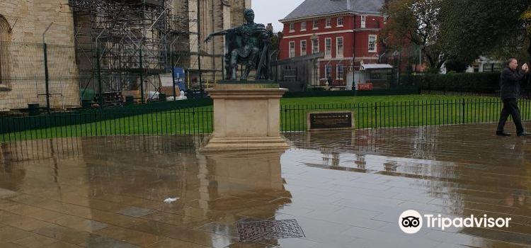 Constantine Statue2