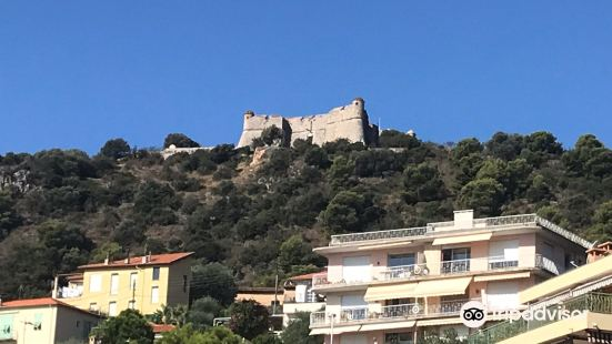 阿爾班山堡
