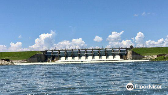Lake Livingston Dam
