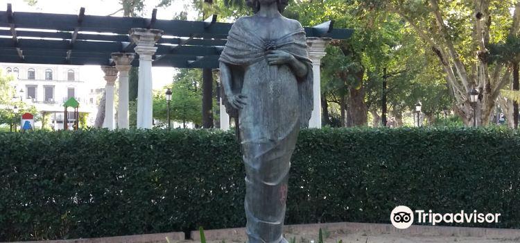 Cristina Garden3