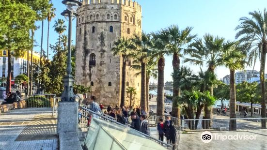 Golden Tower (Torre del Oro)