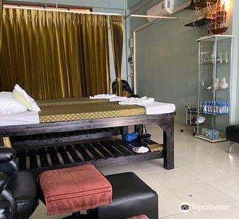 Golden Hands Massage & Spa