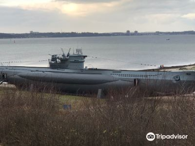 German submarine U-995