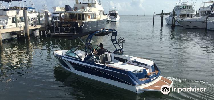 Miami jet yacht3