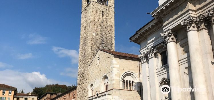 Palazzo Broletto1