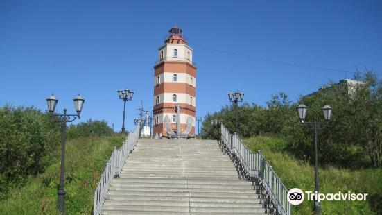 庫爾斯克號核潛艇紀念碑