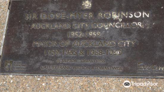 Dove Myer Robinson Park (Parnell Rose Garden)