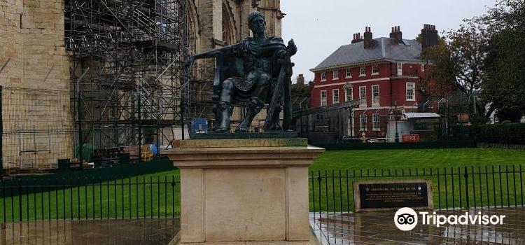 Constantine Statue1