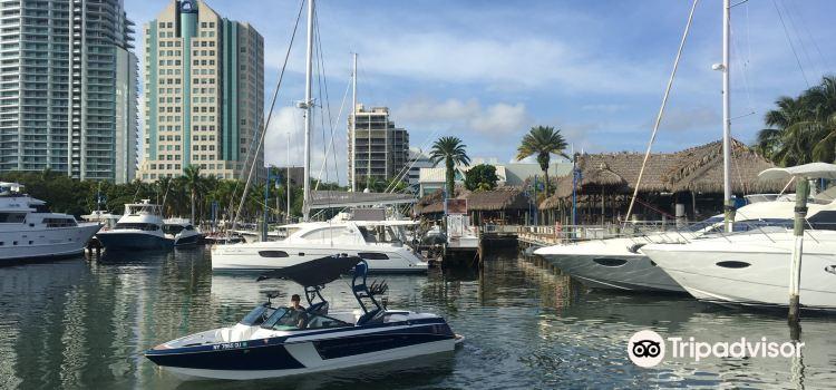 Miami jet yacht