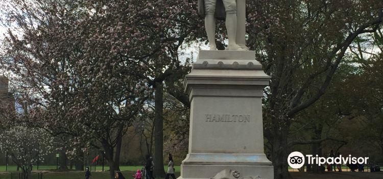 Alexander Hamilton Statue3